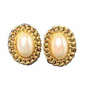 Vintage Stud Earrings Gold and Faux Pearl